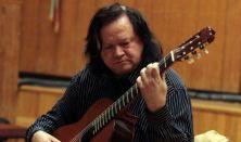 Tokos Zoltán gitározik, Km. Matuz István (fuvola) Latin-amerikai zeneszerzők