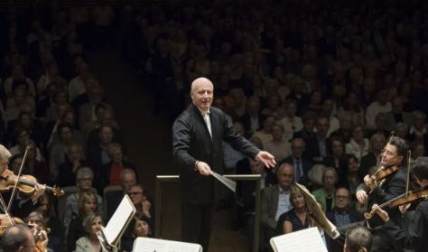 Tonhalle-Orchester Zürich / Vezényel:Paavo Järvi / Előhang 18:30