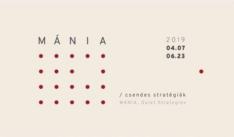 MÁNIA. Csendes stratégiák - Tárlatvezetés Tarr Hajnalkával és Balajthy Boglárkával