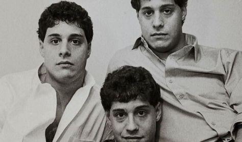 Három egyforma idegen - premier előtt