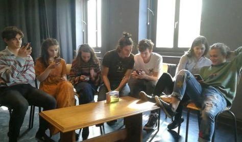 Tyúk és tojás - A Gólem Stúdiók közös előadása