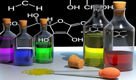 Legyél Te is fürkész! - felfedezőnap a biológia és a kémia világában