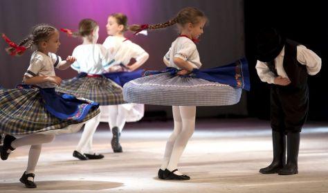 Figurás Bérlet - Táncok a Pesteleji járásból