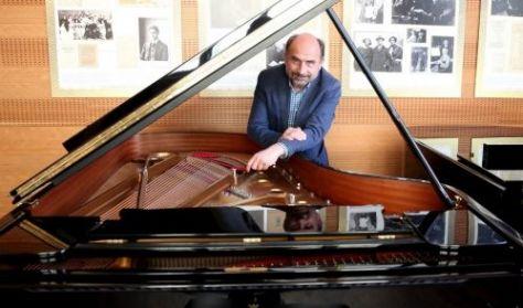 Zenélő családikó - Eckhardt Gábor családi koncertje