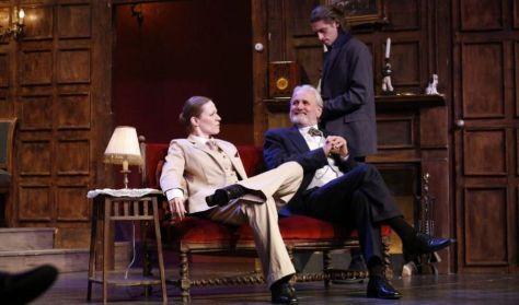 Agatha Christie: Az Egérfogó - krimi két részben