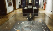 Szakmai tárlatvezetés a Szubjektív – Az Iparművészeti Múzeum új szerzeményei c. kiállításban