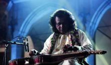 JOY!Guru: Debashish Bhattacharya, Wojtek Traczyk, Hubert Zemler / Slide gitárral Hawaiitól Indiáig