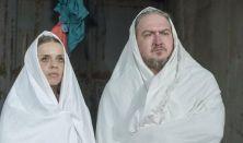A lányka és a pápa…
