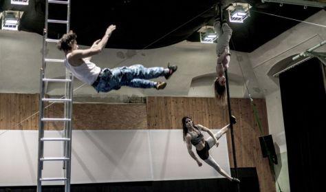 Grotesque Gymnastics: A kudarc anatómiája - ONLINE bemutató!