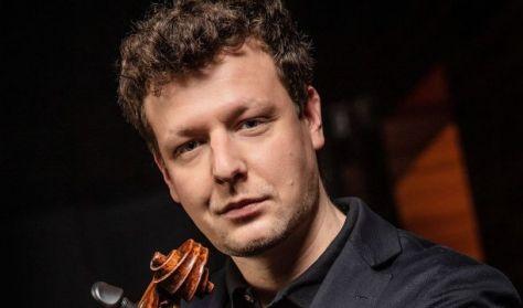 Várdai István és a Nemzeti Filharmonikus Zenekar / SZÓLISTÁK ÉS ZENEKAROK