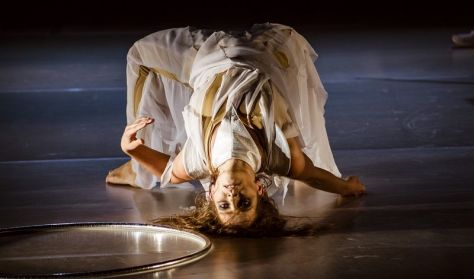 A változatlanság hullámhossza - táncszínházi előadás - Szepes Mária azonos c. regénye alapján