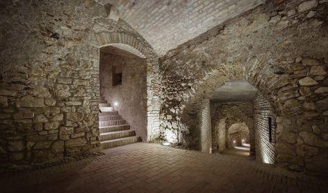 Rituális fürdő a föld alatt - Magyarország legrégebbi mikvéje