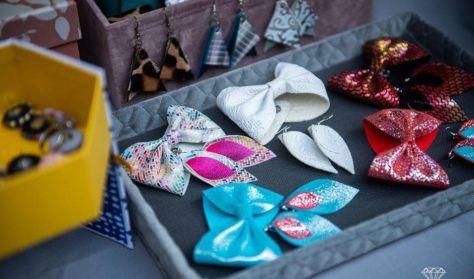 Upcycling - Készíts karácsonyi bőrkarkötőt!