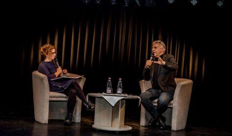 ALFÖLDI RÓBERT & VEISZER ALINDA pódiumbeszélgetés