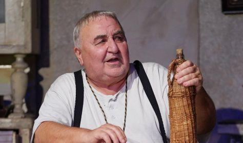 Indul a bakterház - a Turay Ida Színház előadása
