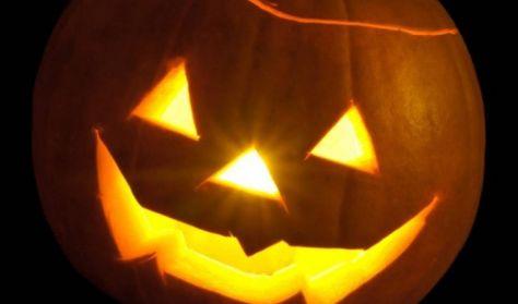 Halloween-i kézműves foglalkozás