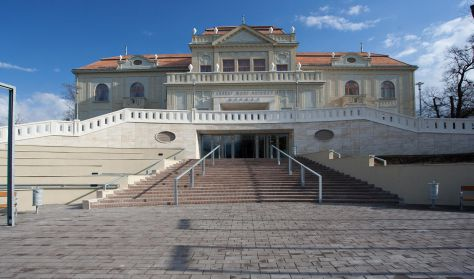 Jászai Mari Színház, Népház Tatabánya